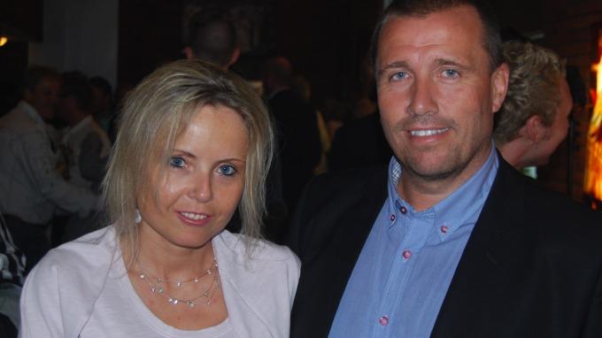 Tom Nordlie sier det har vært et utfordrende år, tøft for kona Jannicke! thumbnail
