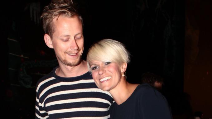 Sigrid Bonde Tusvik viste frem kjæresten Martin Jøhndal på den sorte løperen på Harry Potter-premiere! thumbnail
