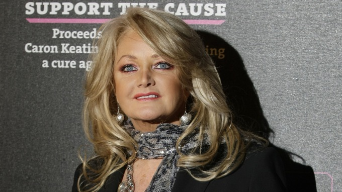"""Bonnie Tyler opptrer på """"Allsang på Grensen"""", bruker Botox for å holde seg ung! thumbnail"""