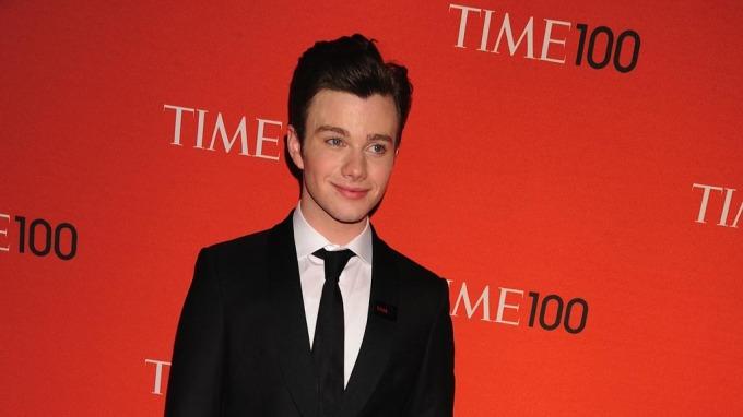 Chris Colfer spiller Kurt Hummel i den populære TV-serien Glee, fikk sparken via Twitter! thumbnail