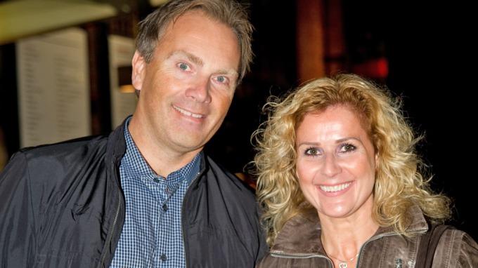 Karita Bekkemellems ektemann Stein Røsberg er endelig frisk etter at han ble rammet av tykktarmskreft! thumbnail