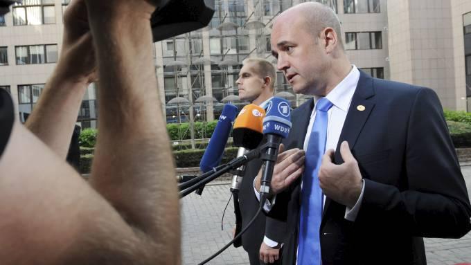 Fredrik Reinfeldt, Sveriges statsminister er fraværende etter at Norge ble rammet av terror! thumbnail