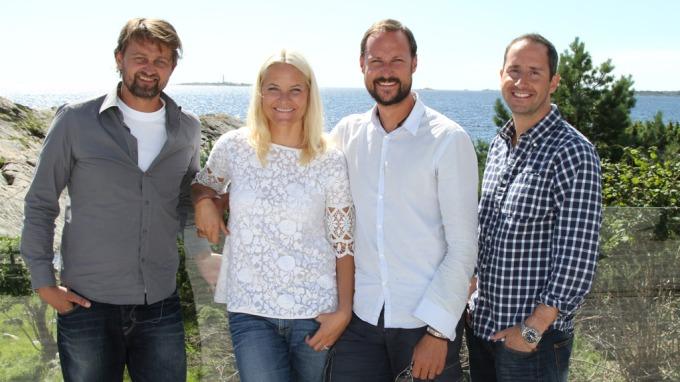 Thomas Numme og Harald Rønneberg på hytta med Kronprinsparet, en times langt program sendes på TV 2! thumbnail