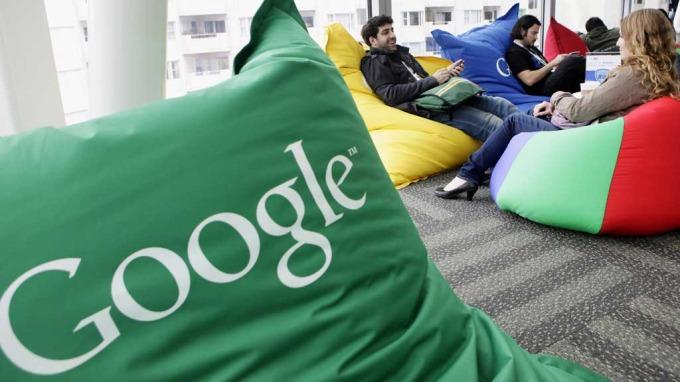 Google kjøper Motorola, søkemotorkjempen blar opp over 68 milliarder kroner for mobilselskapet thumbnail