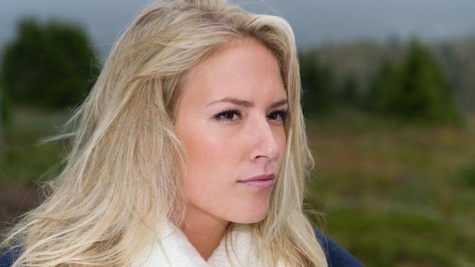 Anna Zahl fra Tromsø stakk av med seieren i årets Frøken Norge, skal representere Norge i den 60. Miss World konkurransen i London i høst! thumbnail
