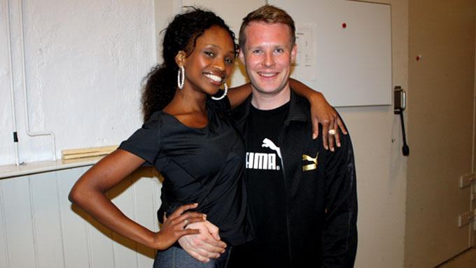 Stella Mwangi og Asmund Grinaker etter vel gjennomført dansing på parketten i Nydalen studio! thumbnail