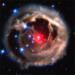Det er påstått at dette bildet viser Nibiru, men det er stjernen V838 fotografert med romteleskopet Hubble i 2002.