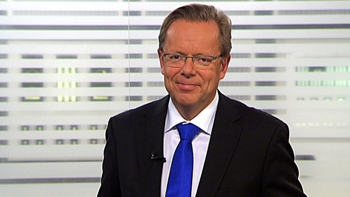 Arill Riise leder TV 2s hovednyhetssendinge. Og han sier at kona Inger er alt i livet hans! thumbnail