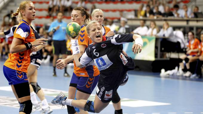 SKADET: Heidi Løke sliter med lyskestrekk en drøy måned før OL braker løs.