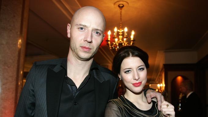 Sivert Høyem og kjæresten Helena Brodtkorb har blitt foreldre til en liten prinsesse, mye sex ga graviditet! thumbnail