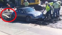 Satte fast bilen i våt betong – gjett om det var flaut!