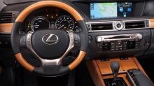 Lexus knuser alle konkurrentene