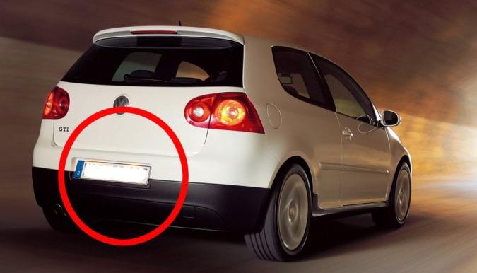 Hvis du monterer LED-lys over skiltet, gir det bilen et mer moderne preg - og det er hverken dyrt eller vanskelig.