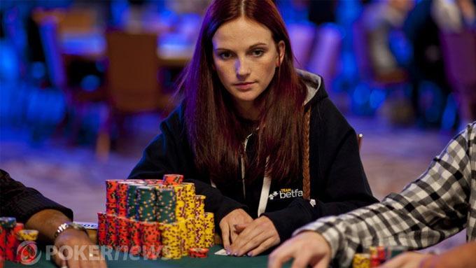 Elisabeth Hille er ram i pengespill kan bli verdensmester i poker! thumbnail