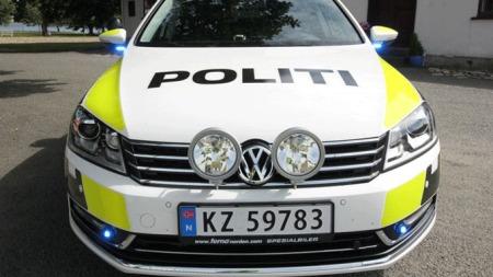 Slik ser de ut forfra, denne politibilen er for øvrig en VW Passat.