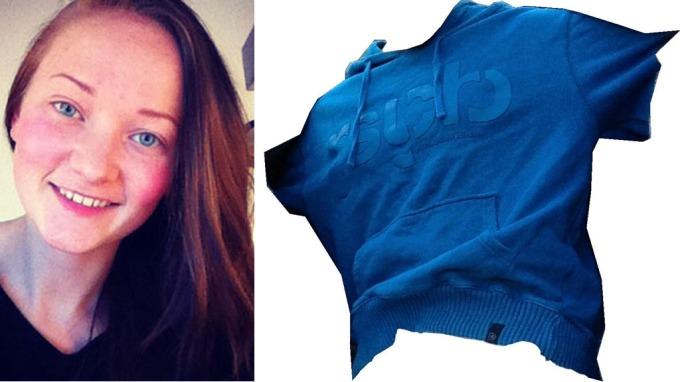 Politiet har nå frigitt et bilde av den blå hettegenseren Sigrid Giskegjerde Schjetne hadde på seg da hun forsvant natt til søndag 5. august. Genseren er langermet.