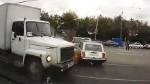 Se hvordan gærningene kjører i Russland