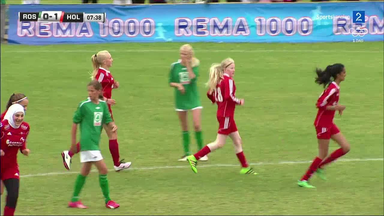 Bilde for: Ingrid (14) scoret torsdagens første TV-mål - så kom utligningen umiddelbart!