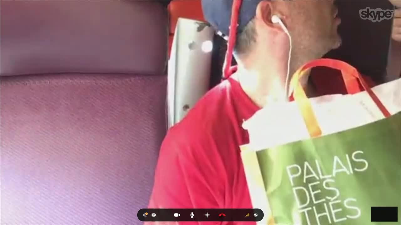 Bilde for: Rørt Harald fikk den perfekte overraskelsen på toget til Paris