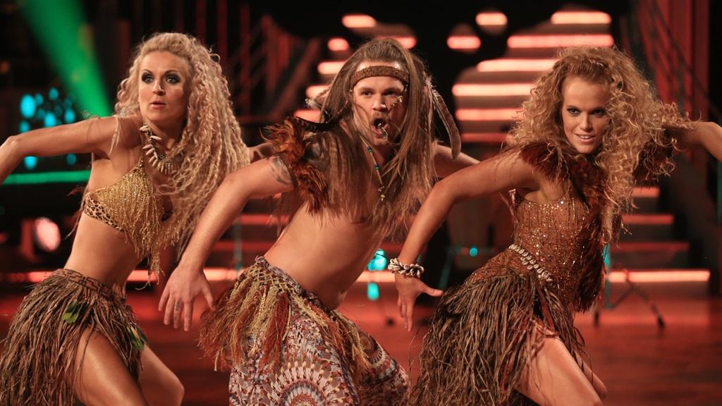 elena skal vi danse naken hjemme